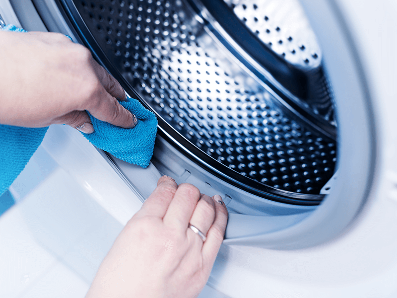 آیا خود ماشین لباسشویی نیاز به پاکسازی و ضدعفونی دارد؟